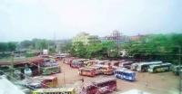 পুলিশ সার্জেন্টের গালাগাল : বরিশালের ১৭ রুটে বাস চলাচল বন্ধ