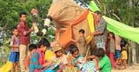পাথরঘাটায় প্রস্তুতি চলছে মনি মন্ডলের 'হাতির মেলা'র হাতি তৈরী