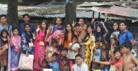 """ব্যতীক্রমী আয়োজনে শিশুদের ঈদ উপহার দিল """"মায়া আলো"""" সংগঠন"""