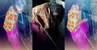 বরগুনায় গোয়ালঘরে শিকলে বাঁধা বৃদ্ধা 'মা'