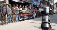 সাংবাদিক নির্যাতনের প্রতিবাদে বরগুনায় মানববন্ধন