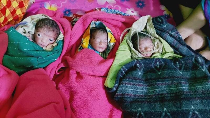 পাথরঘাটায় একসঙ্গে জন্ম নেয়া তিন শিশু উন্নত চিকিৎসার জন্য বরিশাল মেডিকেলে